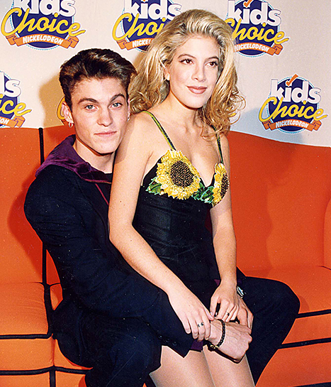 Brian Austin Green and Tori Spelling attended the Kid's Choice Awards in 1993